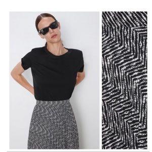 Zara black & white abstract pleated skirt